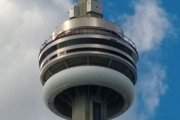 cn_tower_zoomed